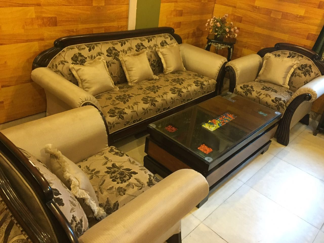 Best Quality Of Furniture with 10 Years Of warrenty