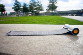 FLEXIBLE, FOLDABLE THIN FILM SOLAR PANEL CHARGER