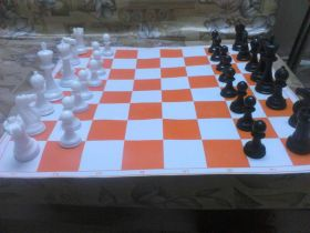 Standard International tournament chess set