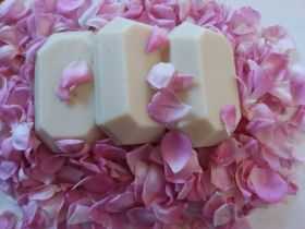 Coconaturo handmade herbal Rose Soap