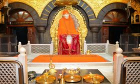 Coimbatore shirdi tour package by flight