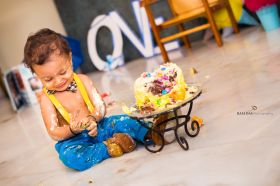 Birthday Photography | Birthday photo with cake