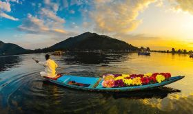Dal Lake: Jewel in Crown of Kashmir